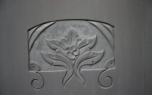 Fleur des portes du bas du meuble